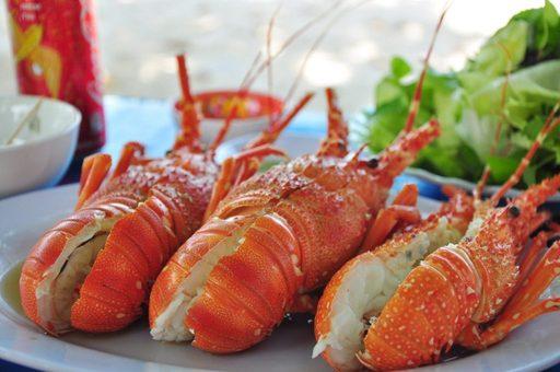 Du lịch Côn Đảo du khách đừng quên món tôm hùm này nha